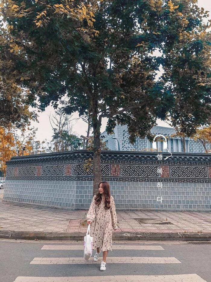 những góc phố Hàn Quốc ở Hà Nội - Đại sứ quán Hàn (Ảnh: nhatlinh_inhinhh)