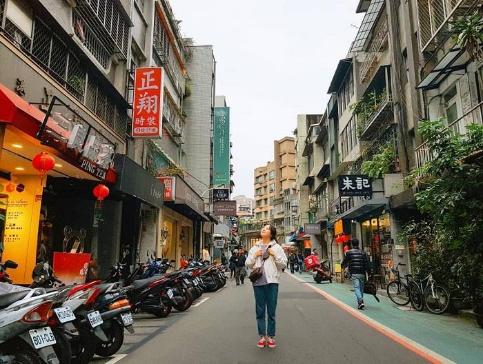 không gian cổ kính của phố ẩm thực Yongkang