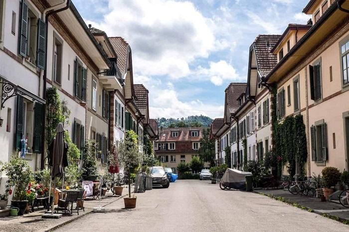 Walking the pedestrian street Residental Bern is one of the tourist experiences of Bern Switzerland