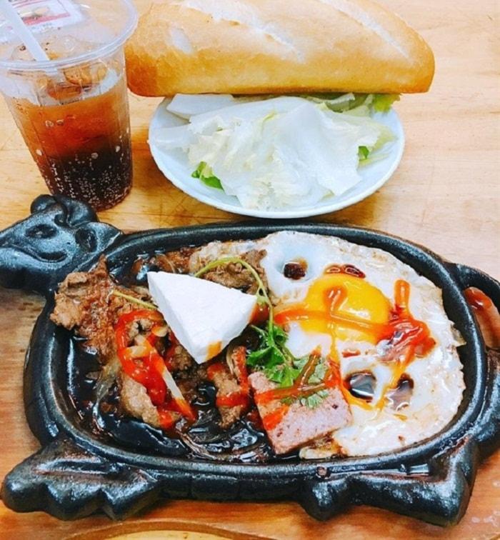 Bò né 3 ngon là một trong những quán ăn ngon ở Pleiku được yêu thích