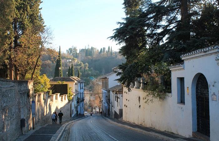 Những khu phố thú vị ở Granada