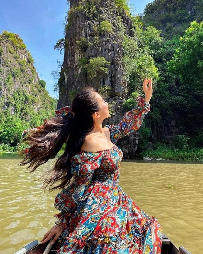 Tam Cốc Bích Động - điểm du lịch Ninh Bình hấp dẫn
