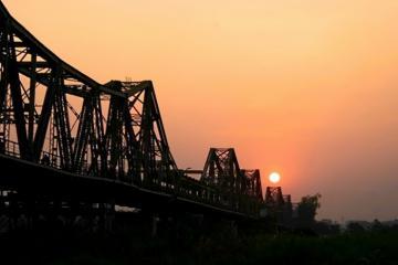Cầu Long Biên Hà Nội hiên ngang bắc qua 3 thế kỷ