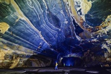 Đam mê xê dịch thì nhất định phải đến hang Tú Làn Quảng Bình!