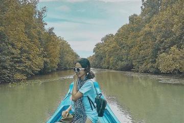 Khung cảnh sông nước hữu tình tại rừng ngập mặn Cà Mau