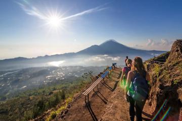 Chinh phục những ngọn núi lửa đẹp nhất ở Indonesia
