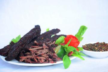 Thưởng thức món thịt trâu gác bếp Yên Bái trứ danh vùng Tây Bắc