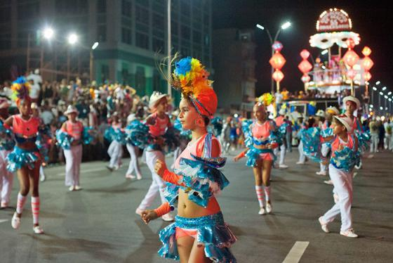 Quẩy 'khô máu' tại các lễ hội ở Havana Cuba