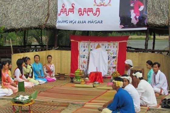 Tìm hiểu về lễ hội Rija Nagar ở Ninh Thuận