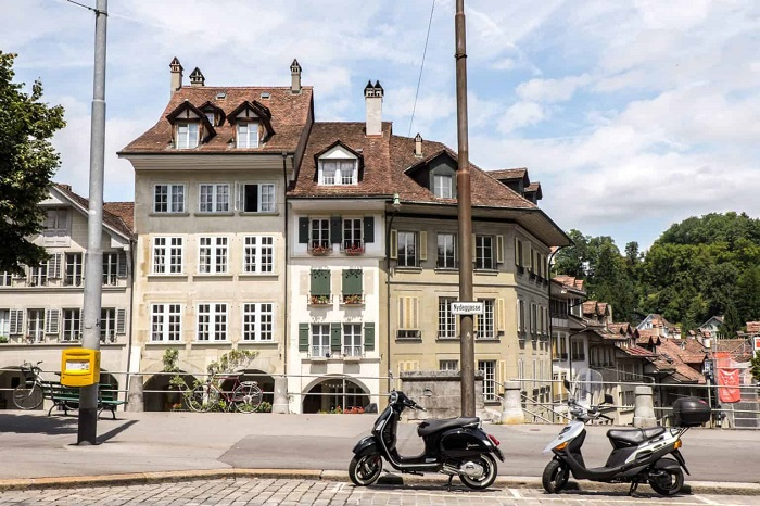 Coffee-colored houses - The travel experiences of Bern Switzerland