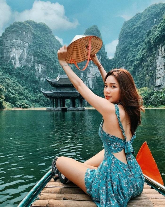 Tràng An - điểm du lịch Ninh Bình phổ biến