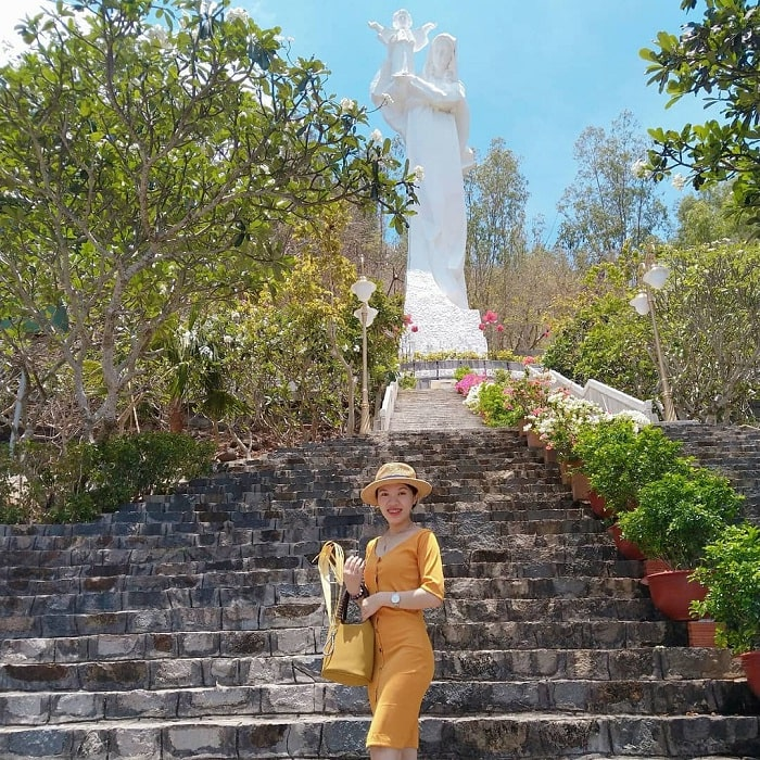 Statue of Our Lady - an interesting destination at Bai Dau Vung Tau