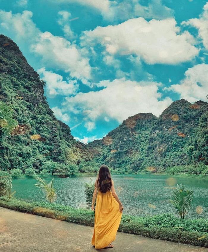 Động Am Tiên là điểm du lịch Ninh Bình được yêu thích