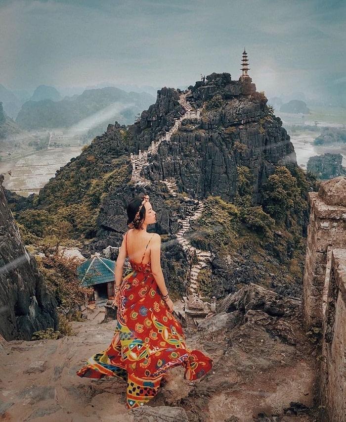 Hang múa - điểm du lịch Ninh Bình đẹp ngẩn ngơ