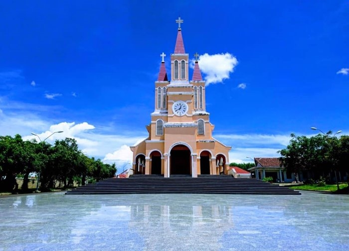 Tra Ke Church check-in point in Van Hoa Plateau