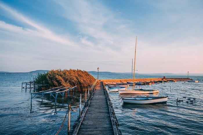 Hồ Balaton gợi nhớ đến sự gặp gỡ của các nền văn hóa