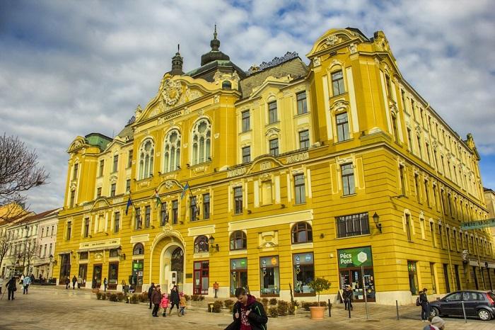 Một kiến trúc nổi bật ở Pecs - Du lịch Pecs
