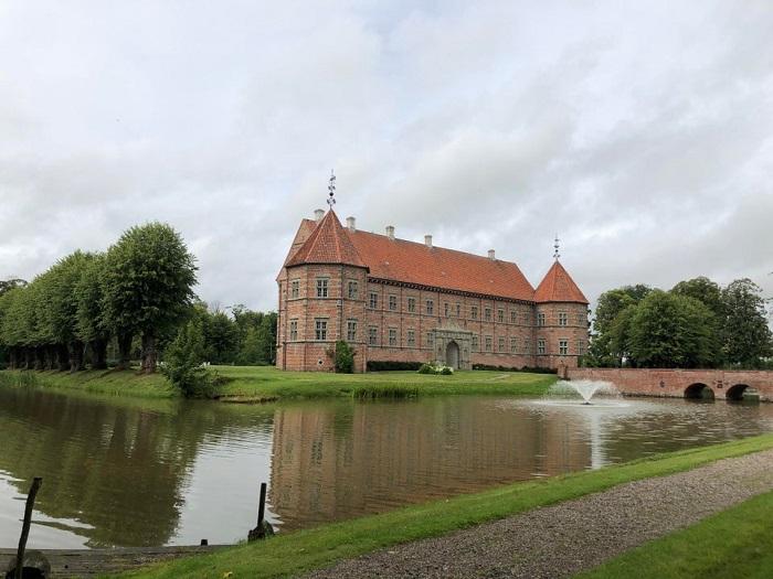 Lâu đài Voergard - Những lâu đài đẹp nhất ở Đan Mạch