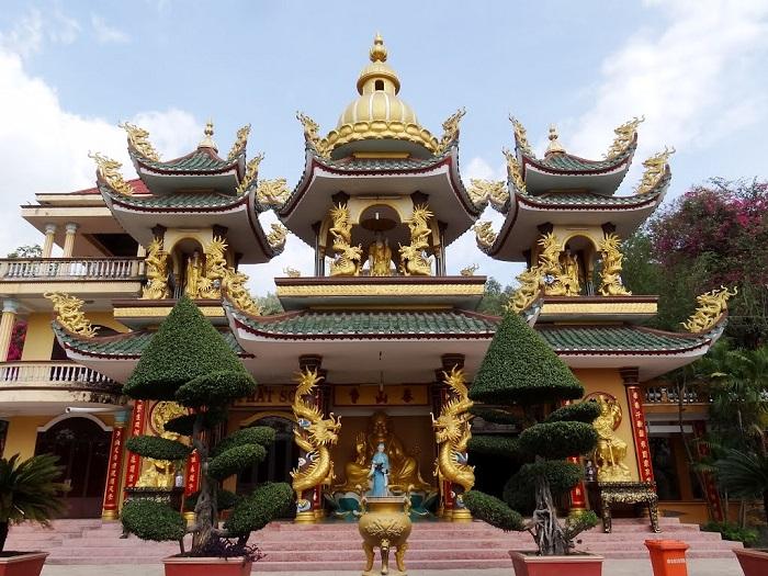 chùa Thái Sơn núi Cậu Bình Dương- kiến trúc