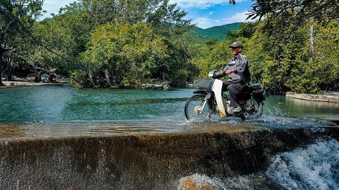 Di chuyển đến Suối Lồ Ồ Ninh Thuận
