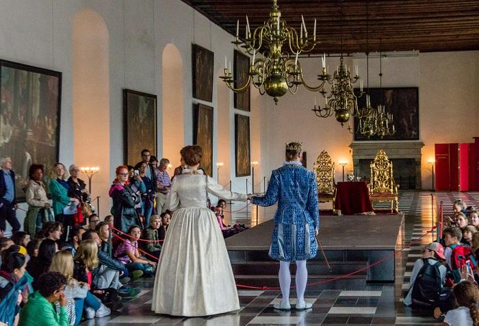 Vở kịch Hamlet trong lâu đài Kronborg - Những lâu đài đẹp nhất ở Đan Mạch