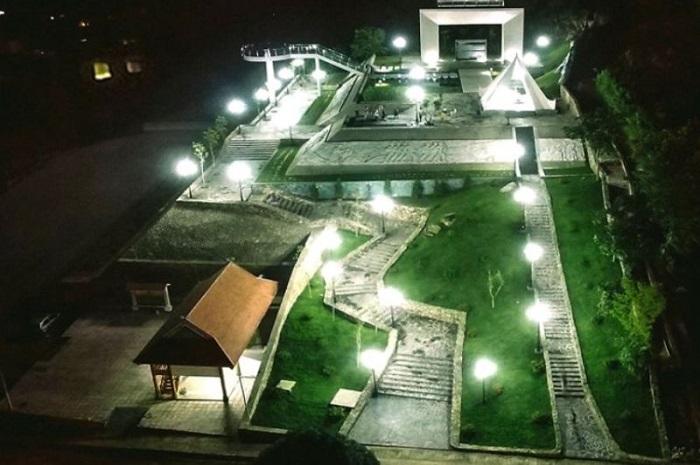 Khung cảnh Lâm Viên Tây Tiến Mộc Châu vào ban đêm