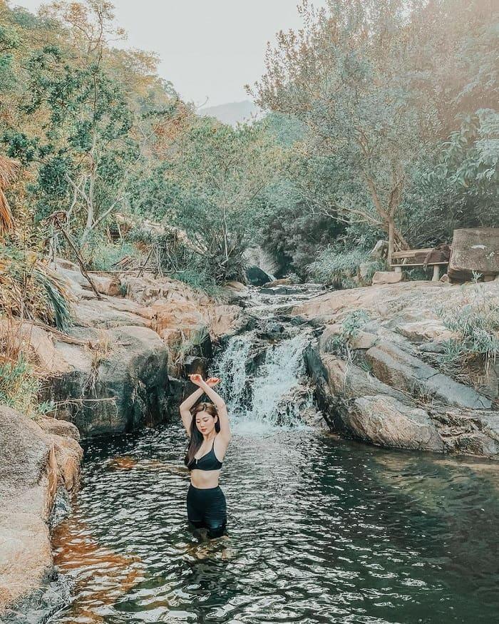Tắm suối ở An Lâm Retreats Ninh Vân Bay Nha Trang