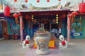 Tham quan chùa Bà Thiên Hậu Cà Mau chiêm ngưỡng kiến trúc độc đáo của người Hoa