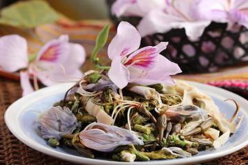 Độc đáo những món ăn làm từ hoa vừa đẹp, vừa ngon, ăn một lần là nhớ