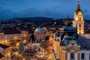 Du lịch Pecs - thành phố của những kiến trúc ấn tượng từ thời Trung cổ
