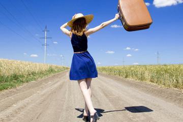 Những phụ kiện du lịch cho nữ giới giúp nàng có ảnh check in 'xịn như tạp chí'