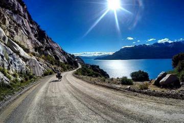 Ngắm trọn vẻ đẹp của hồ General Carrera được hình thành từ băng tan ở Nam Mỹ