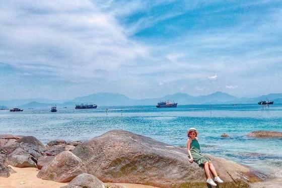 Có một bãi biển Xuân Thiều Đà Nẵng hoang sơ và quyến rũ đến thế!