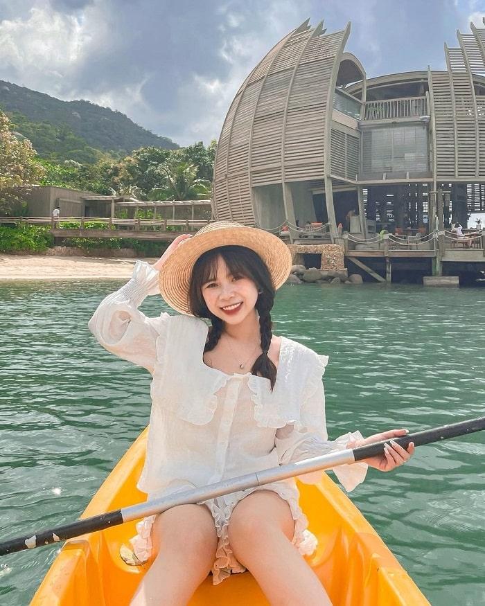 Chèo thuyền ở An Lâm Retreats Ninh Vân Bay Nha Trang