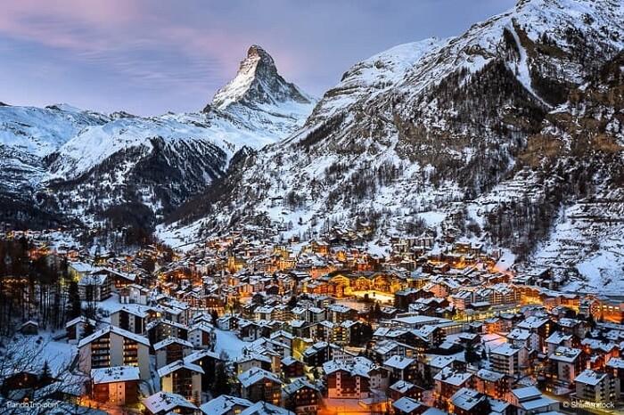 Bustling Christmas atmosphere in Switzerland