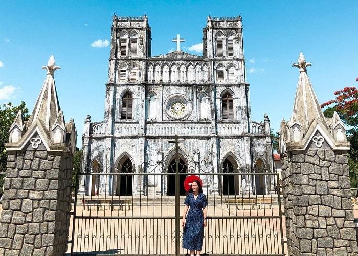Tìm hiểu về nhà thờ Mằng Lăng Phú Yên