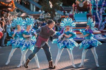 Có gì hấp dẫn ở công viên Disneyland Paris dịp Giáng Sinh và năm mới 2020?