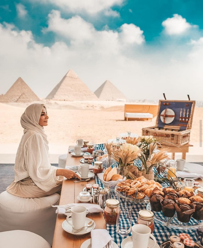 The most famous tourist destinations in the mysterious capital Cairo