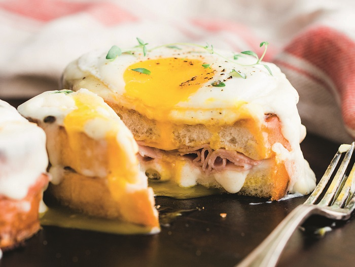 Croquet Madame - French culinary culture