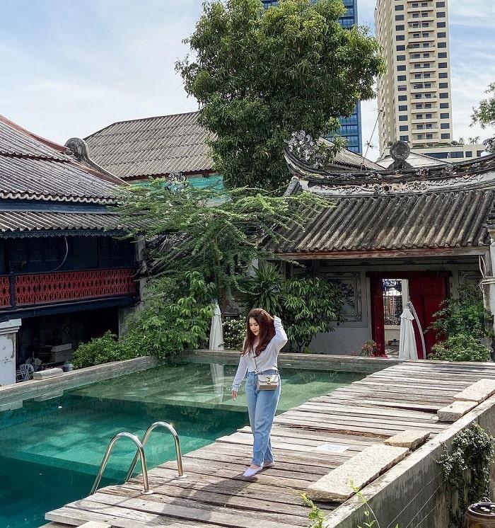 swimming pool - unique feature of Sol Heng Tai Villa