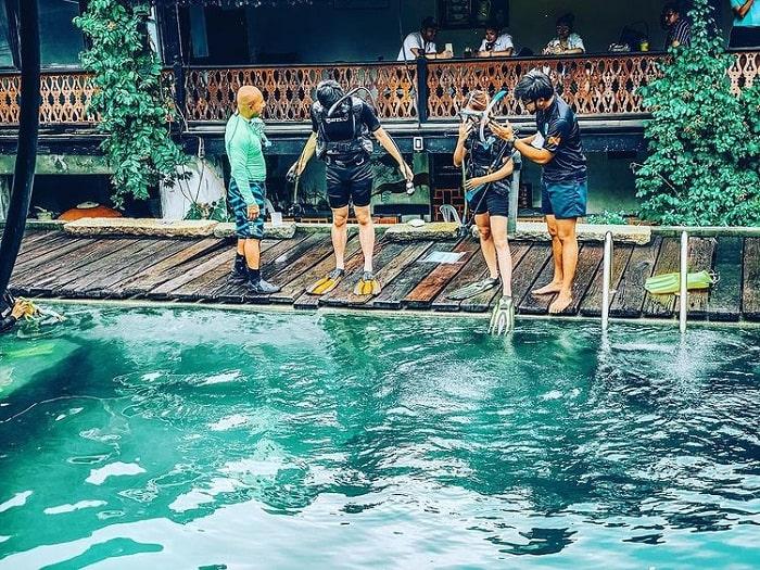 Swimming class - the highlight of Sol Heng Tai villa