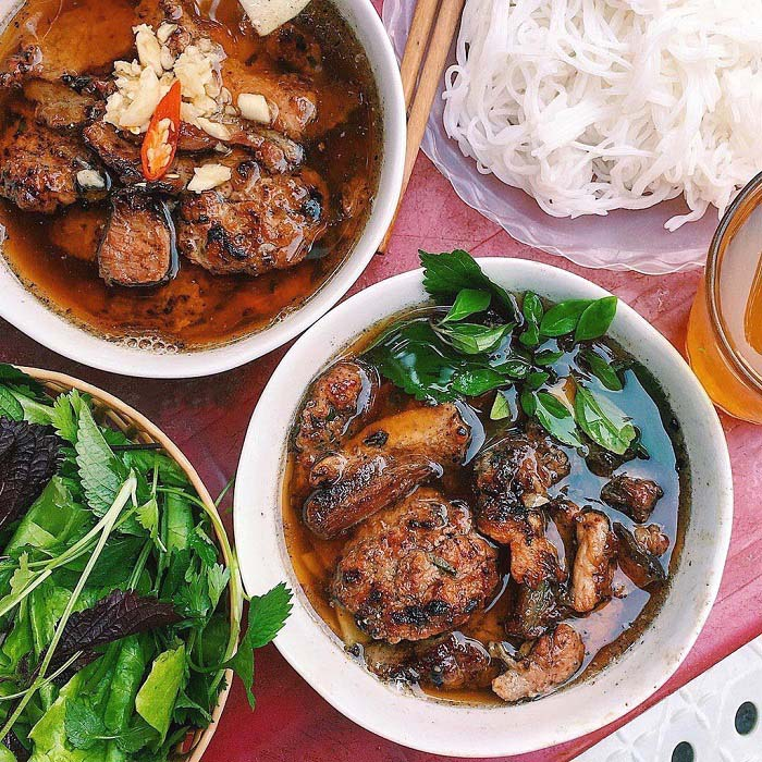 List of delicious vermicelli dishes in Vietnam - Bun cha is a typical dish of Hanoi