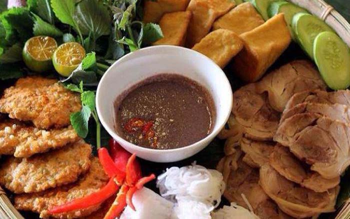 List of delicious vermicelli dishes in Vietnam - Noodles Trung Huong