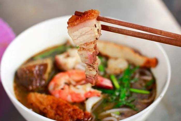 List of delicious noodle dishes in Vietnam - Western noodle soup is a variation of fish sauce