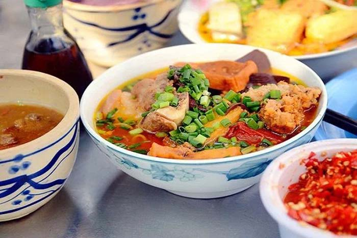 List of delicious vermicelli dishes in Vietnam - Bun rieu crab is everywhere