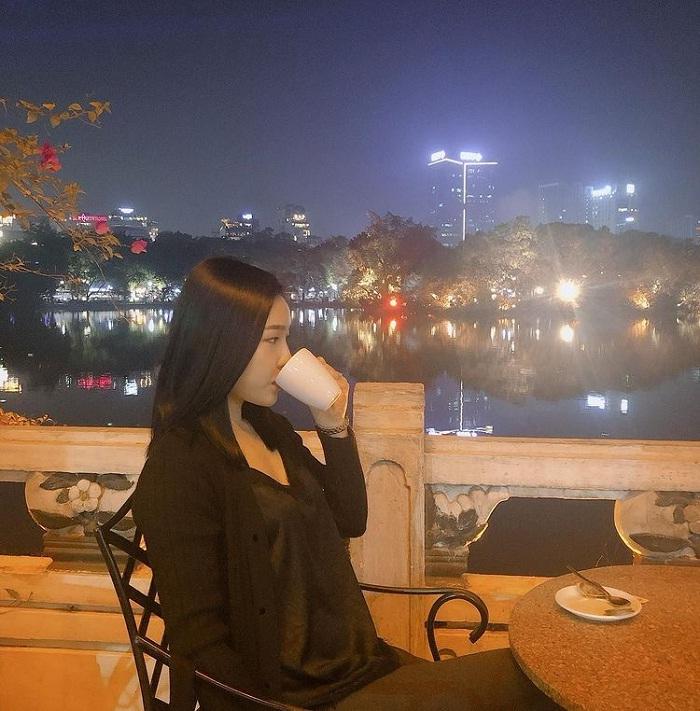 Thủy Tạ - quán cà phê view Hồ Gươm siêu đẹp ở Hà Thành