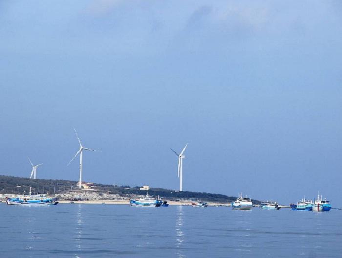 cánh đồng quạt gió Phú Quý - cánh đồng quạt gió ở Bình Thuận hùng vĩ