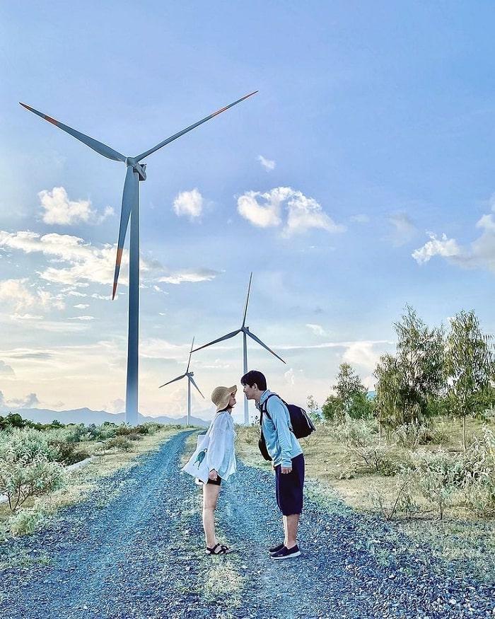 cánh đồng quạt gió Tuy Phong - cánh đồng quạt gió ở Bình Thuận đẹp nhất