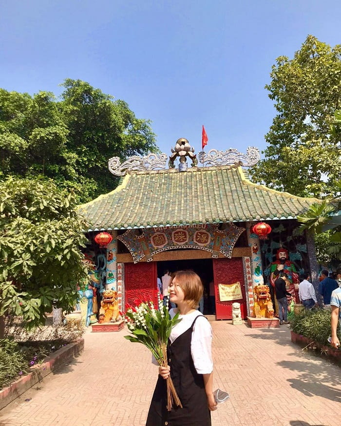 Check in at the Temple of the Floating Temple on the Saigon River