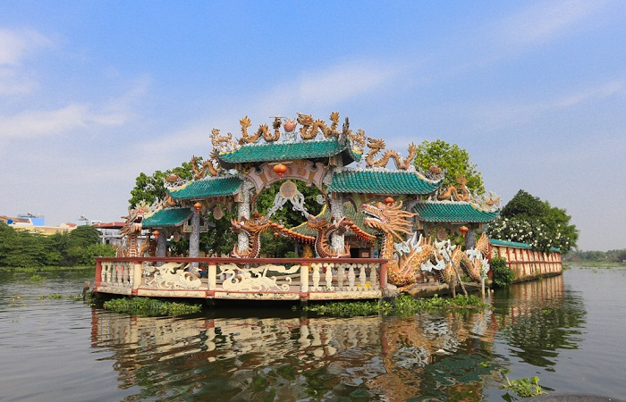 Temple of the Floating Temple on the Saigon River